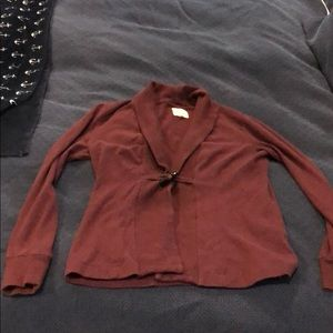 Maroon cardigan with front closure, size L